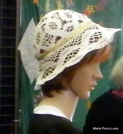 Chapeau en dentelle aux fuseaux
